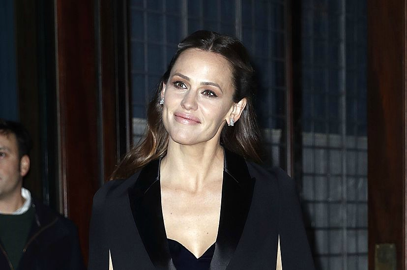 Jennifer Garner's black cape is giving us elegant goth vibes and we need it now