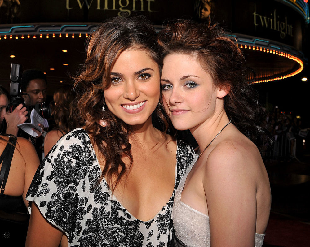 """There was a mini """"Twilight"""" reunion with Kristen Stewart and Nikki Reed and it's giving us feels"""