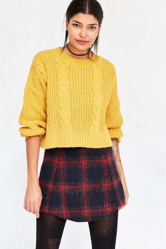 Mindy Kaling S Marigold Sweater Is All Our Fall Dreams
