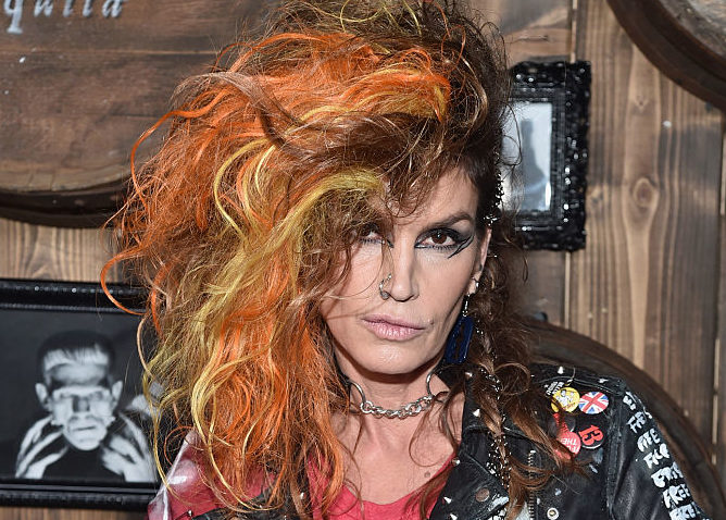 Cindy Crawford just won Halloween with this awesome punk family costume