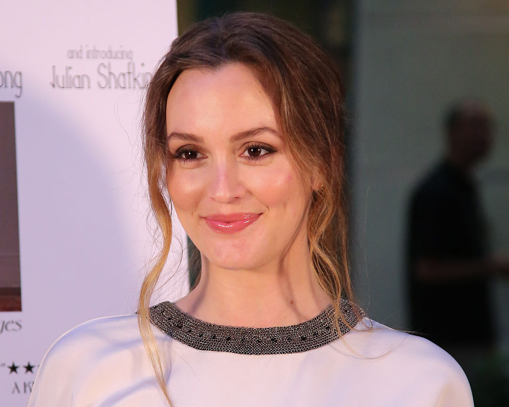 Leighton Meester made a super rare appearance on the red carpet wearing a devil red jumpsuit, and SLAY
