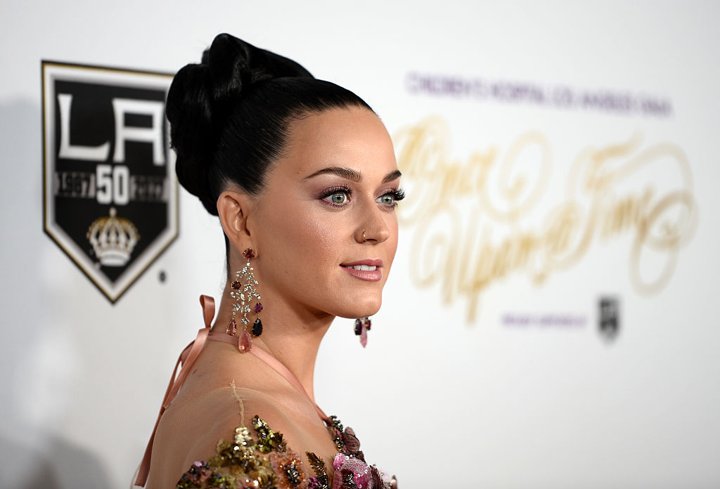Katy Perry ends Halloween weekend with a 1950s themed birthday party