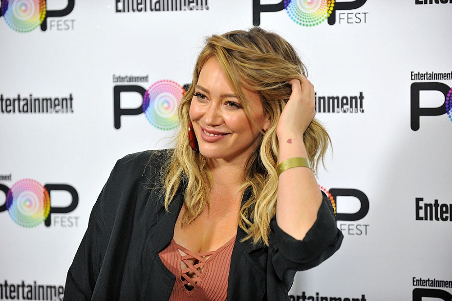Hilary Duff apologized for her Halloween costume, and we're so glad she did the right thing