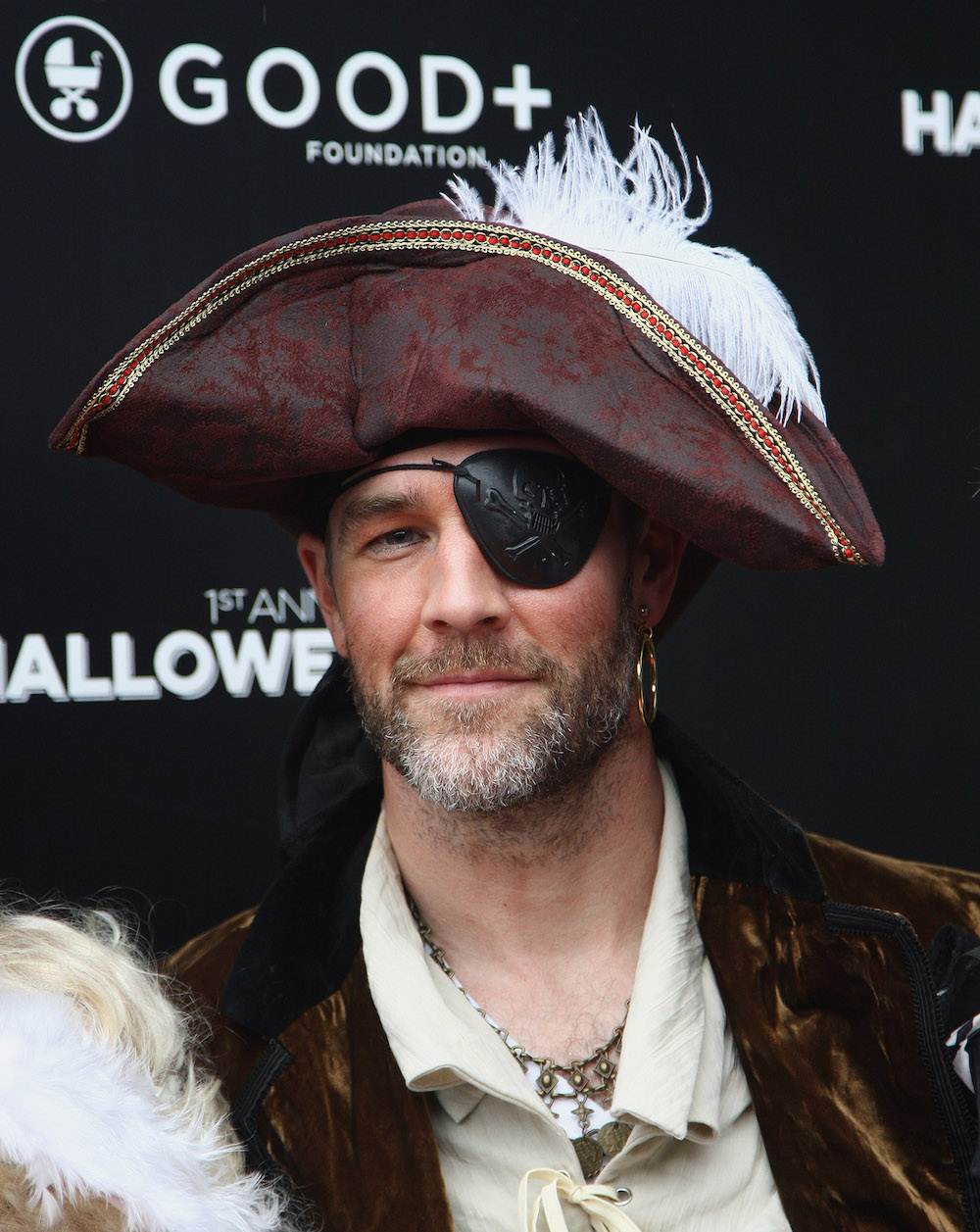 James Van Der Beek's spooky family Halloween costume is too sweet
