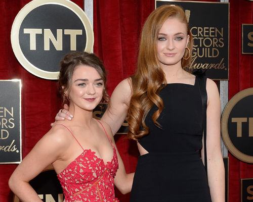 Sophie Turner and Maisie Williams rock matching brownies costumes... with a twist!
