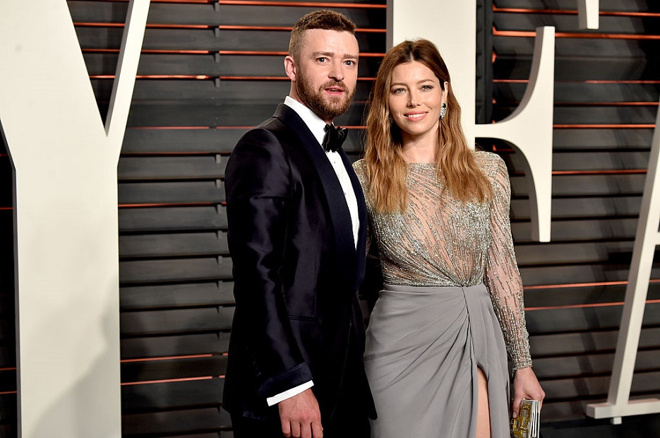 Jessica Biel just poked fun at Justin Timberlake's voting scandal online, and thankfully he's a good sport