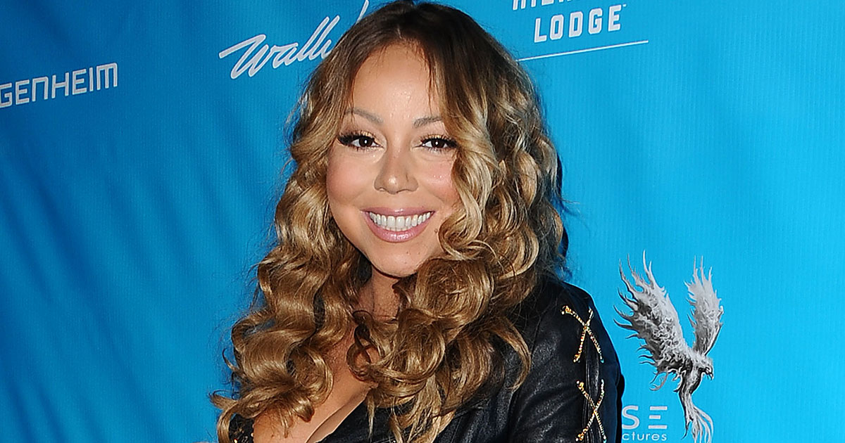 Mariah Carey dressed up as the sexy cat to end all sexy cat costumes and it's purrfect