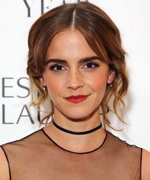 """Emma Watson gets a feminist backstory in """"Beauty and the Beast"""""""