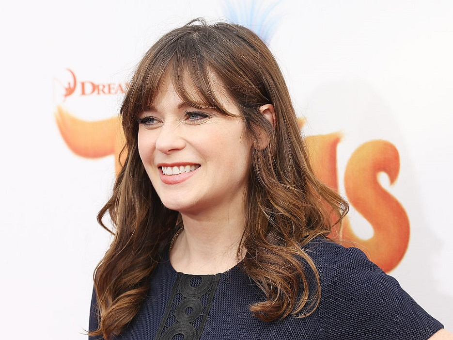 "Zooey Deschanel talks about rapping in front of Justin Timberlake for the ""Trolls"" movie, and props lady!"
