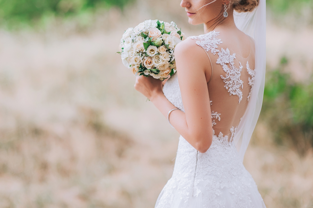 You can actually design the perfect wedding dress online yourself, so yes dreams do exist