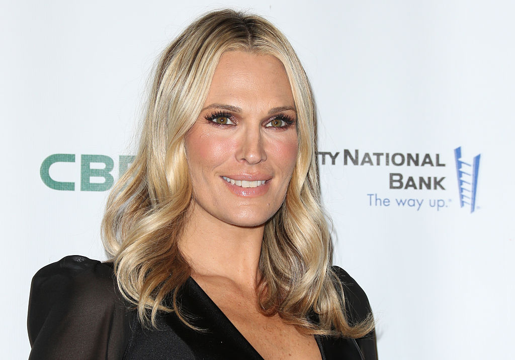 All-Star mom and model Molly Sims chats with us about pregnancy, beauty, and great ways to stay healthy