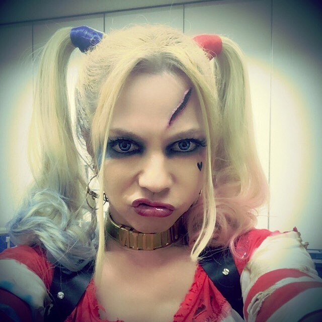 Everyone is losing their minds over this male Japanese rockstar's Harley Quinn cosplay