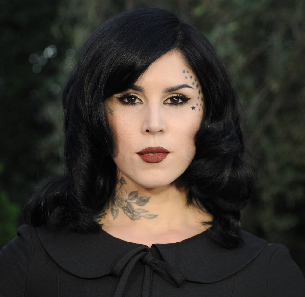Kat Von D has already given us eye makeup inspiration from her palette collab with Too Faced