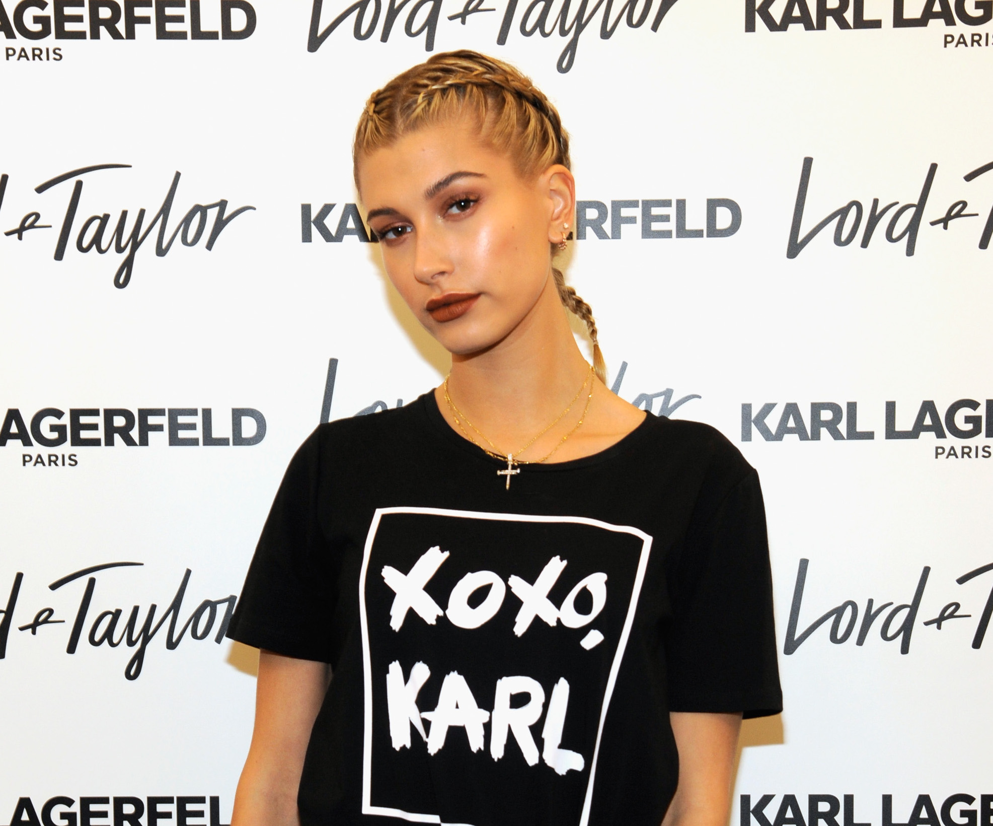 "Hailey Baldwin makes the whole ""no pants"" look work like a true pro"