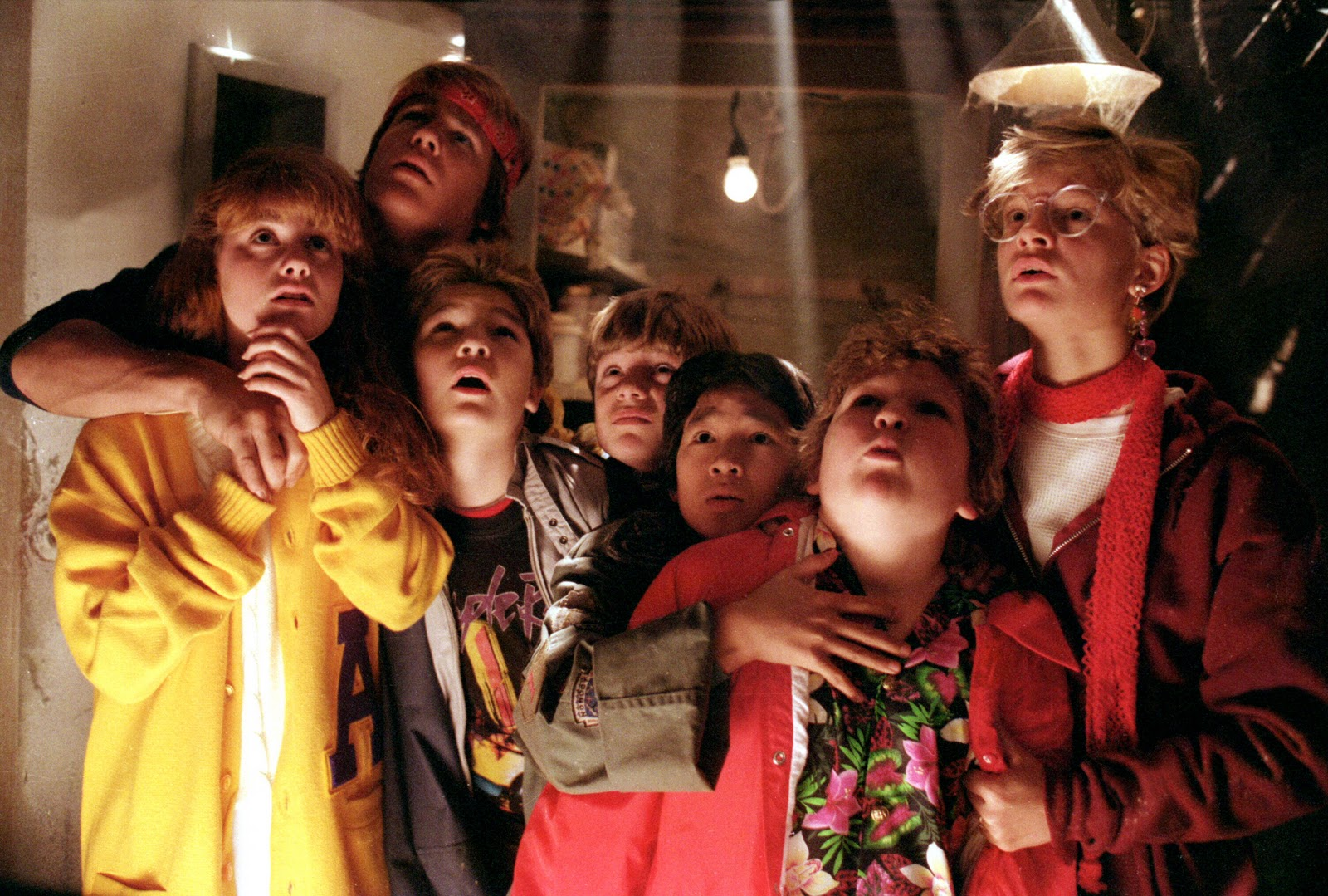 "A Goonie (and a Hobbit!) is joining the cast of ""Stranger Things"" Season 2"