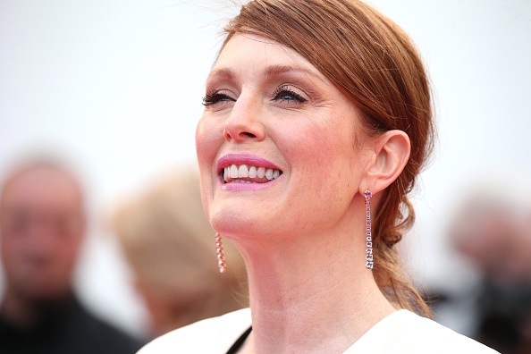 Is it just us or is Julianne Moore getting more ageless with every year?