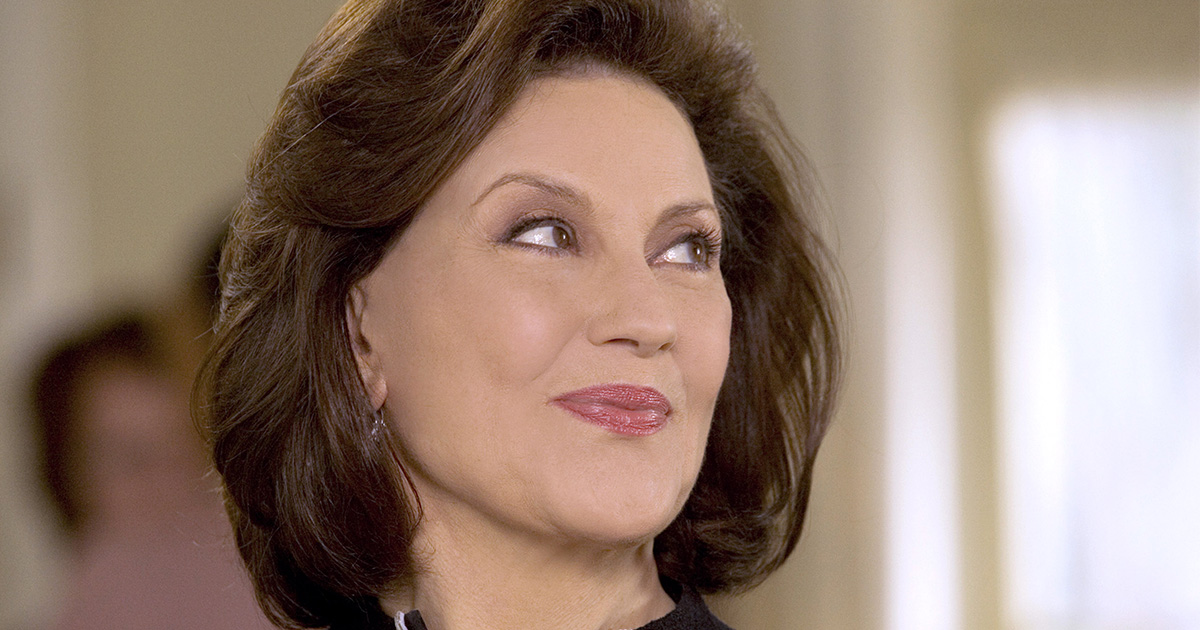 """Kelly Bishop (aka Emily Gilmore) has been talking about widowhood in """"Gilmore Girls: A Year in the Life"""" and we can't handle it"""