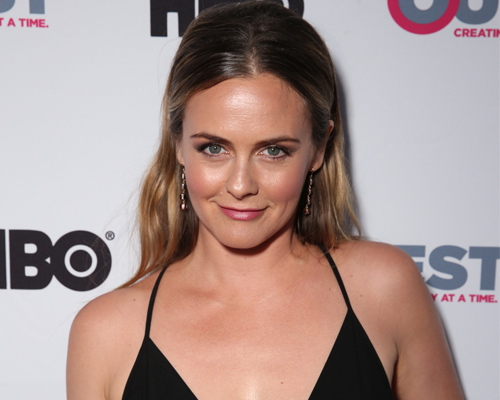 "Alicia Silverstone's starring in TV Land show based on the life of a ""Real Housewives of Beverly Hills"" star"