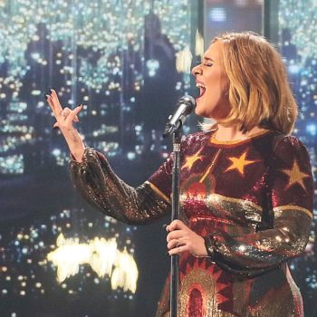 Adele joined the #MannequinChallenge on Twitter, and what she posted is simply amazing