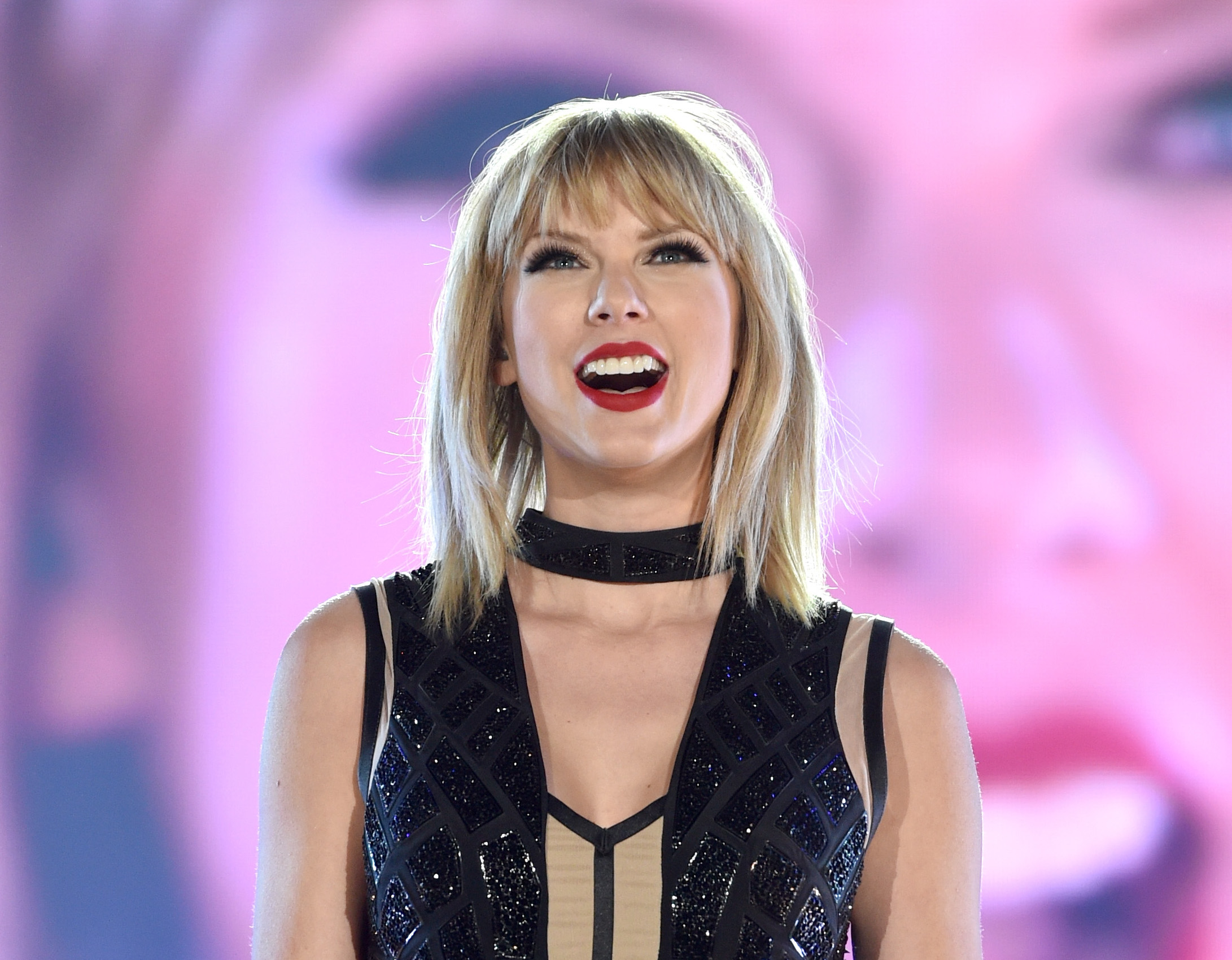 Here's Taylor Swift casually voting like the truest American