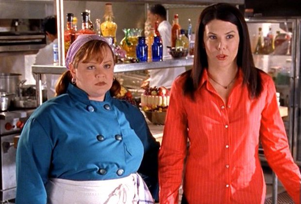 "Lauren Graham talks Melissa McCarthy's return to ""Gilmore Girls"" and our hearts are so full"