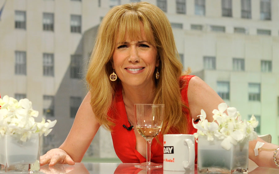 "Kristen Wiig is returning to host ""Saturday Night Live,"" so thank the comedy gods"