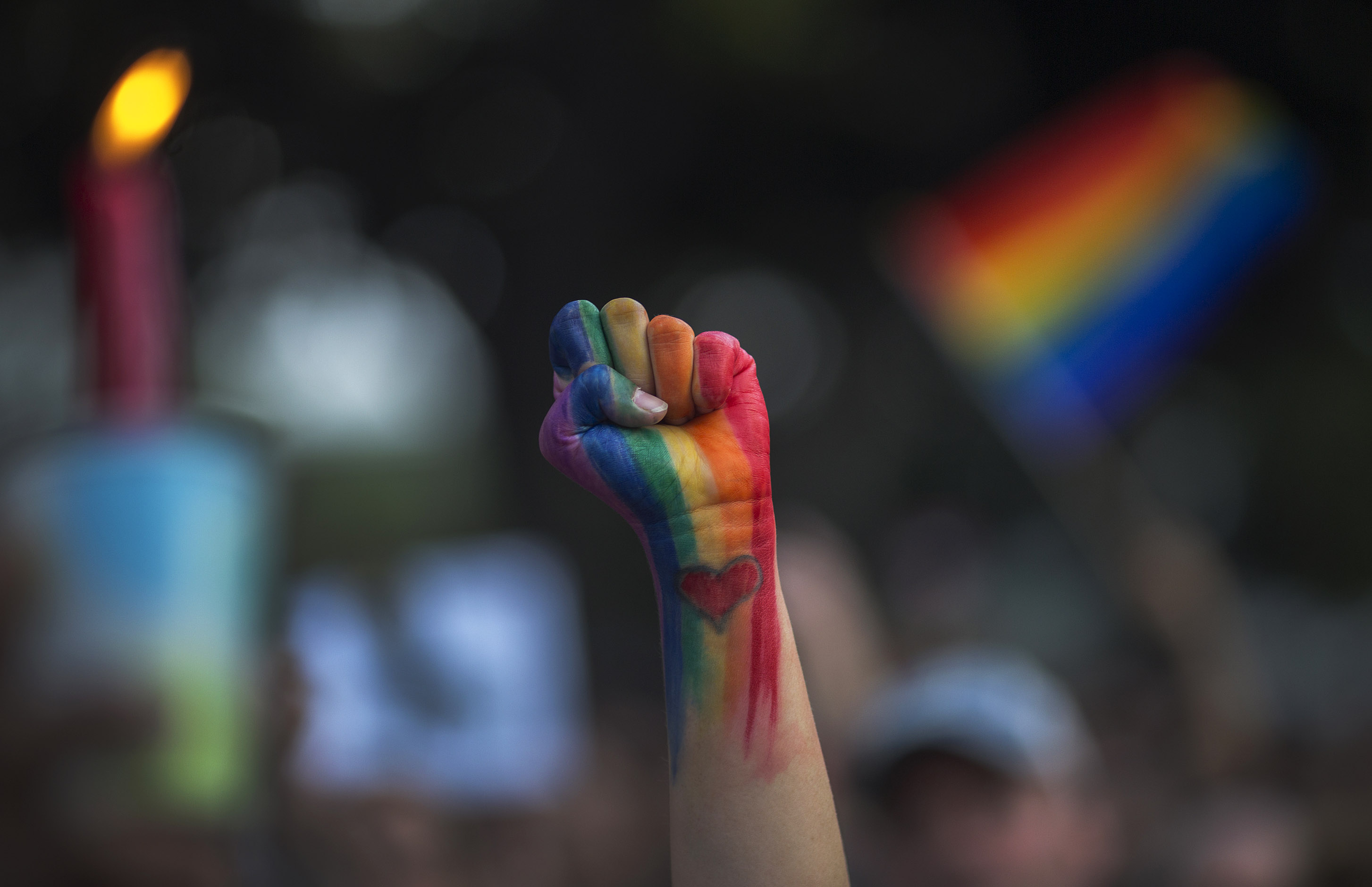 10 organizations that help LGBTQ youth that are seriously important and need donations now