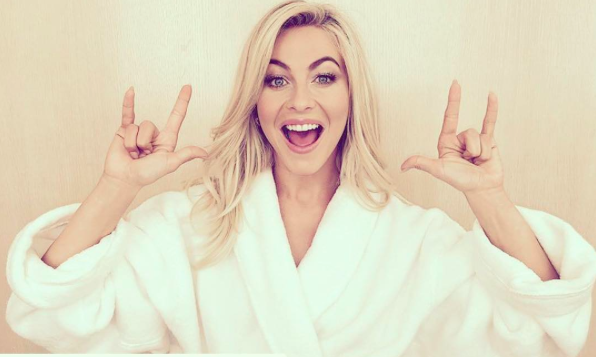 Julianne Hough's 11:11 tribute is super cute and such #CoupleGoals