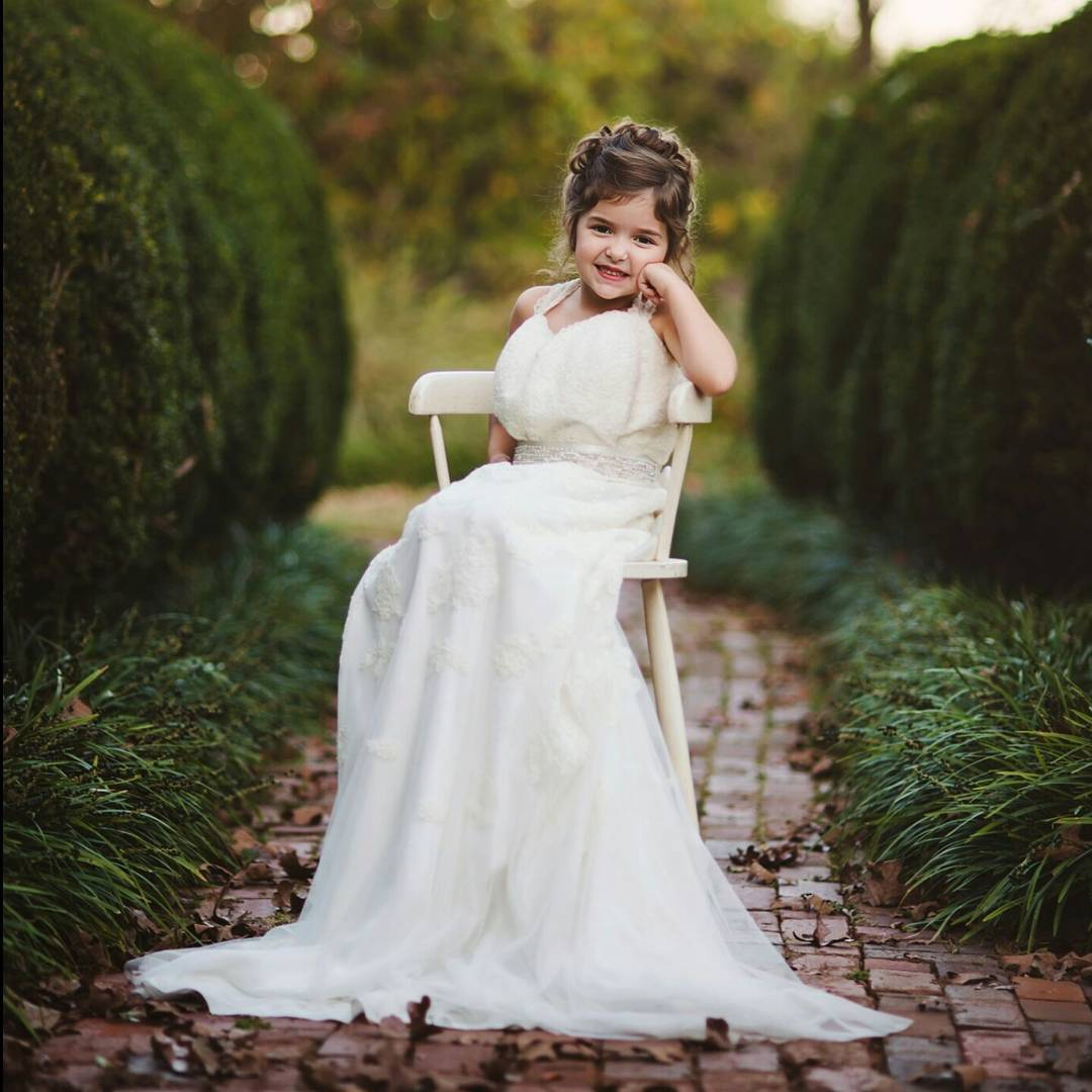 This 4-year-old wore her late mother's wedding dress to honor her memory, we're tearing up
