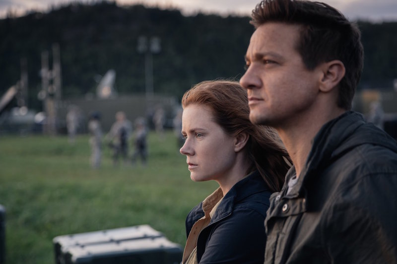 "5 reasons you need to drag yourself out of the house and go see ""Arrival"" right now"