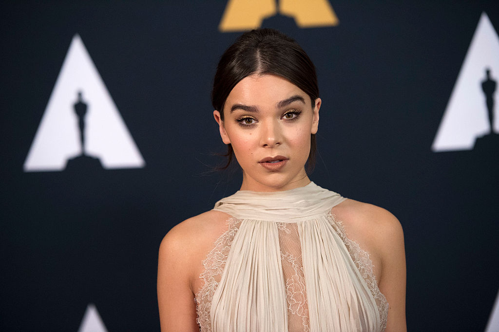Hailee Steinfeld was the definition of slayage in this mini dress with it's own blue train