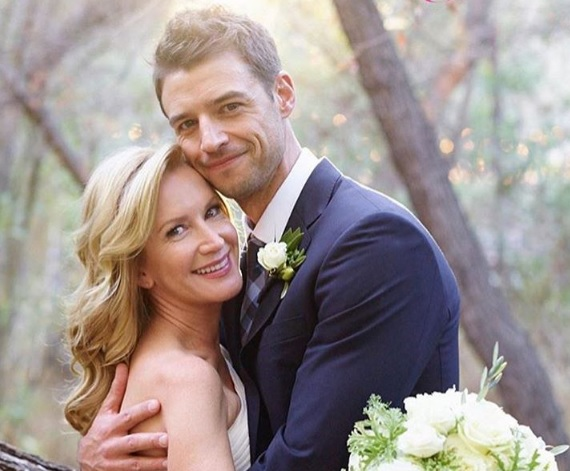 """OMG, Angela from """"The Office"""" has officially gotten hitched!"""