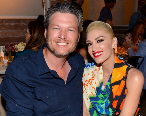 "Gwen Stefani thanks Blake Shelton for ""kissing me back to life"" and awww"
