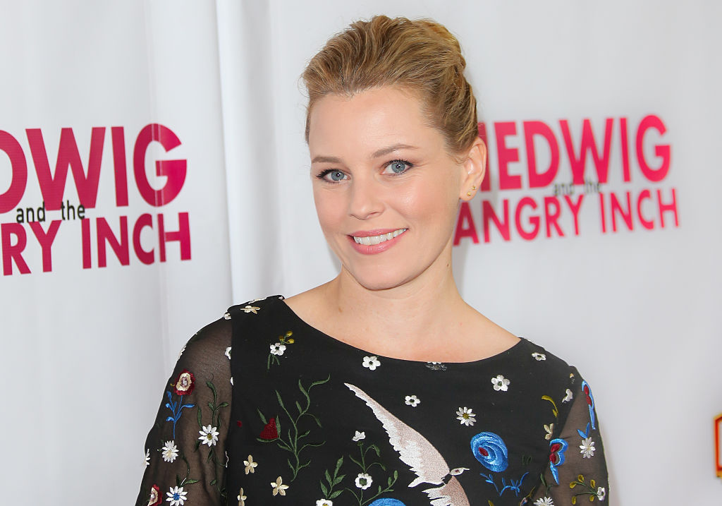 Elizabeth Banks wore purple at the Women of the Year Awards for SUCH an important reason