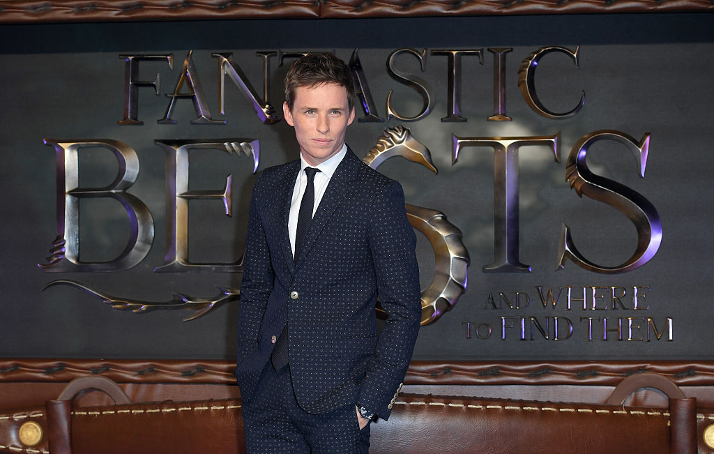"Eddie Redmayne trying not to spoil ""Fantastic Beasts"" to Stephen Colbert is too adorable"