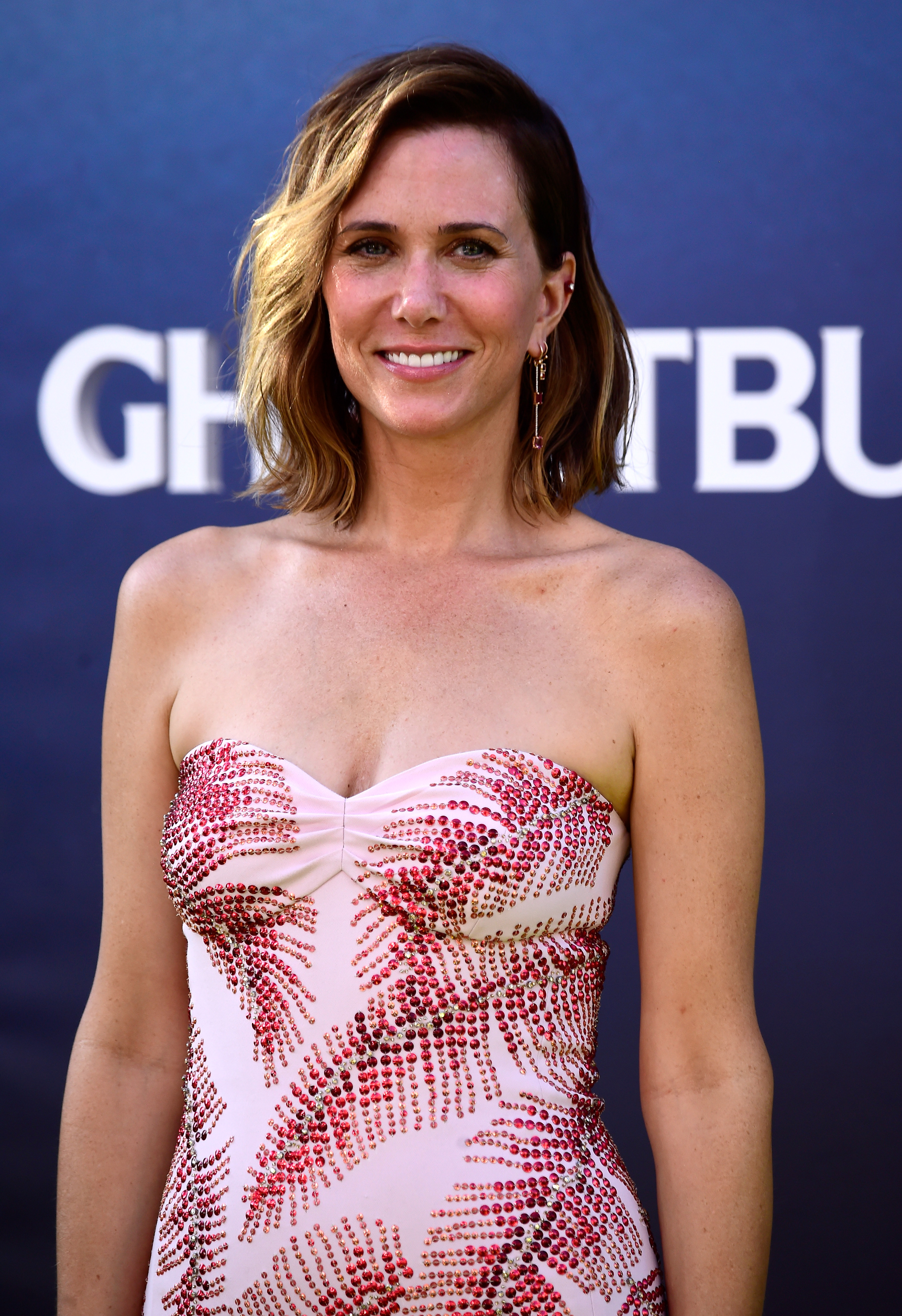Kristen Wiig Just Debuted A Short Blonde Pixie Cut In Snl