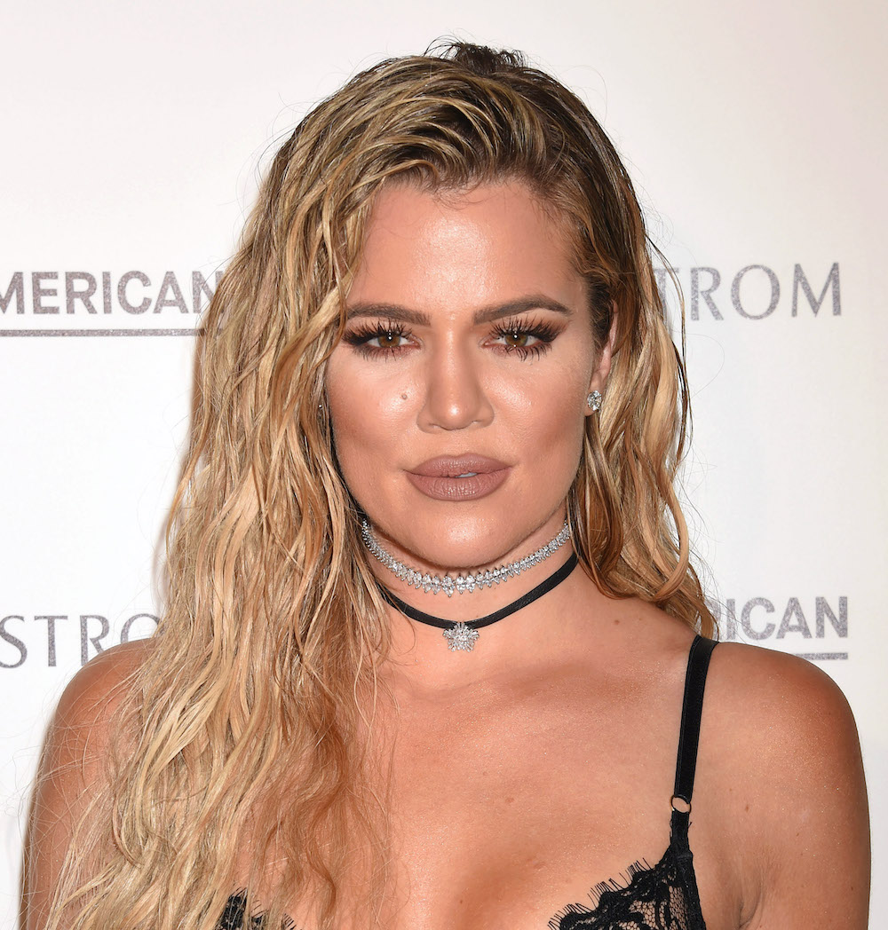 "Khloé Kardashian channels some serious '80s ""Flashdance"" vibes in her latest Snapchat posts"