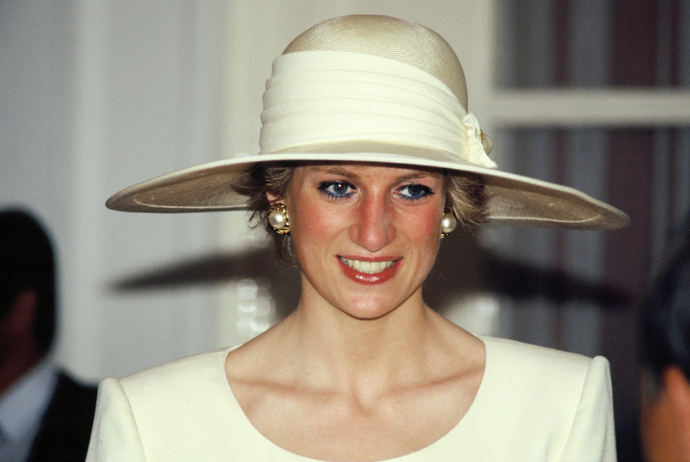 There's going to FINALLY be an entire exhibit based on Princess Diana's clothes