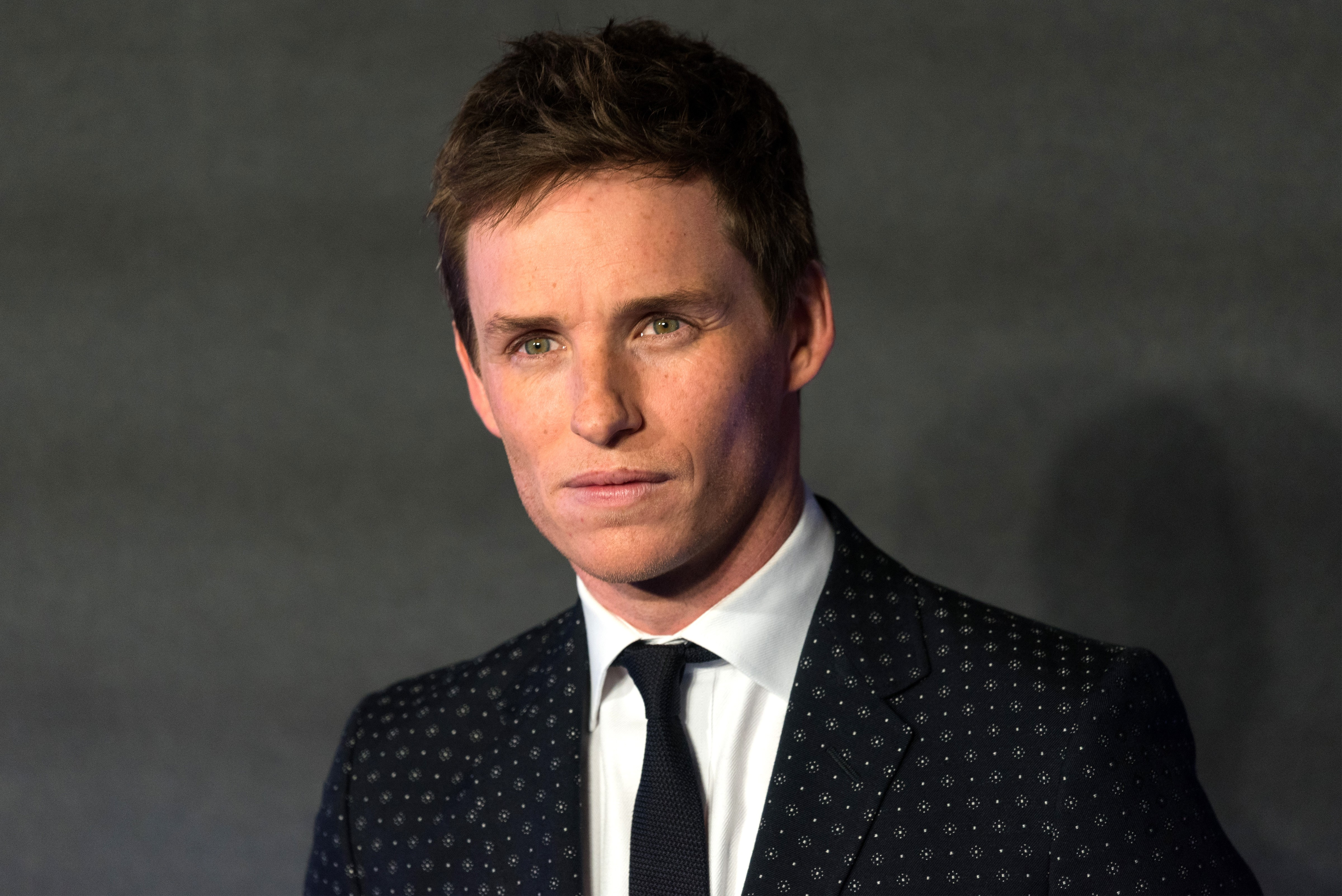 Eddie Redmayne just VERY clearly responded to rumors he's dating Taylor Swift