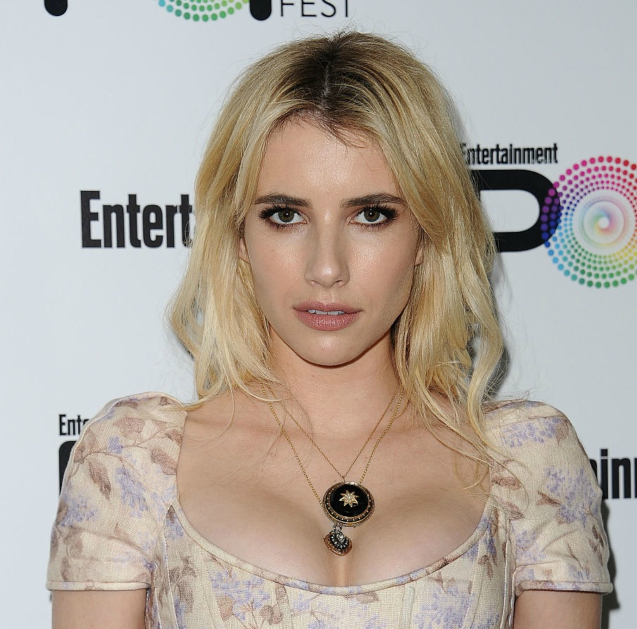 Emma Roberts' camouflage-geometric yoga outfit is perfect — and it's on SALE right now