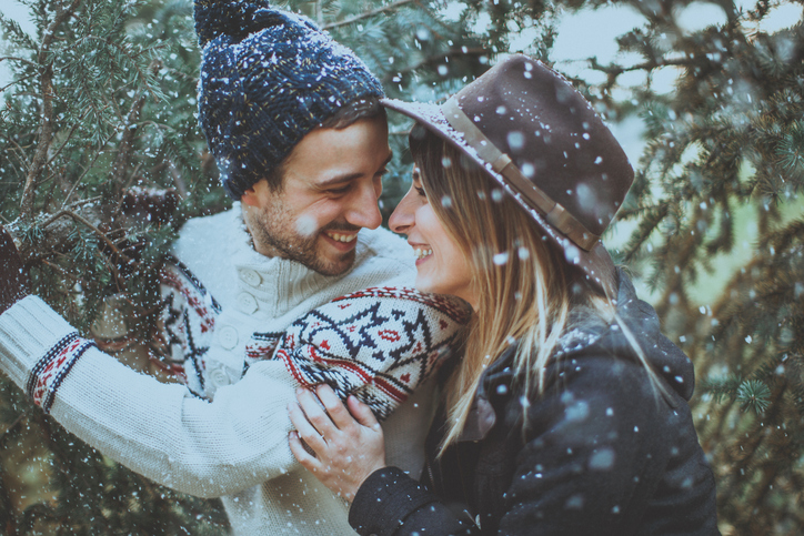 Going home for the holidays? These cities have the most luck on Tinder over Thanksgiving weekend