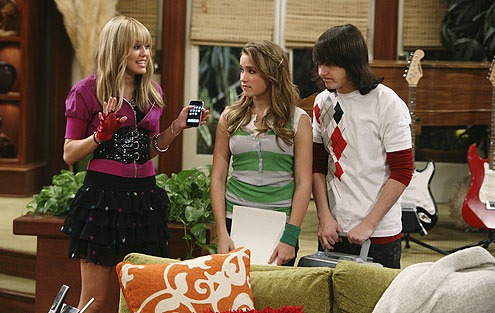 """Hannah Montana"" is coming back and is filling that nostalgic void in our hearts"