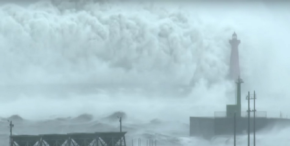 These gigantic ocean waves crashing over a lighthouse look like a huge water explosion and it's the scariest sight ever