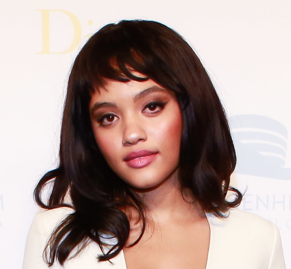 Kiersey's minimalist ivory dress is one of the most effortlessly gorgeous red carpet looks we've ever seen