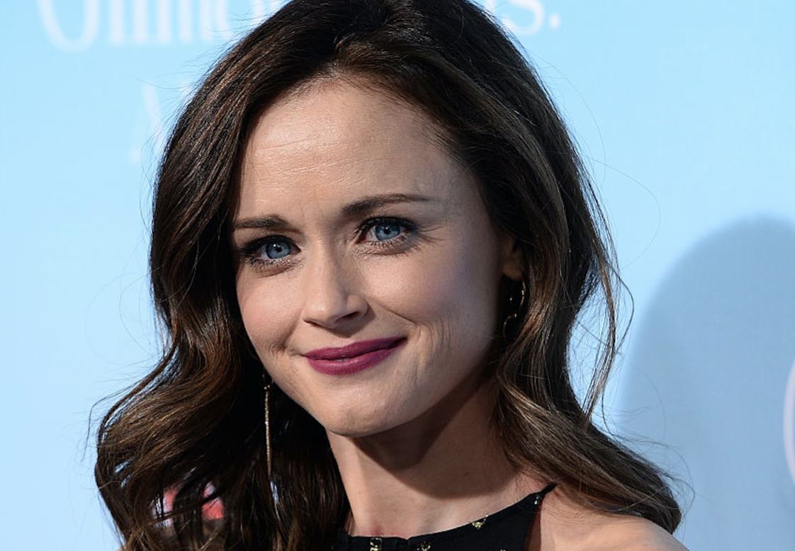 "Alexis Bledel wore black and gold layered perfection at the ""Gilmore Girls"" premiere"