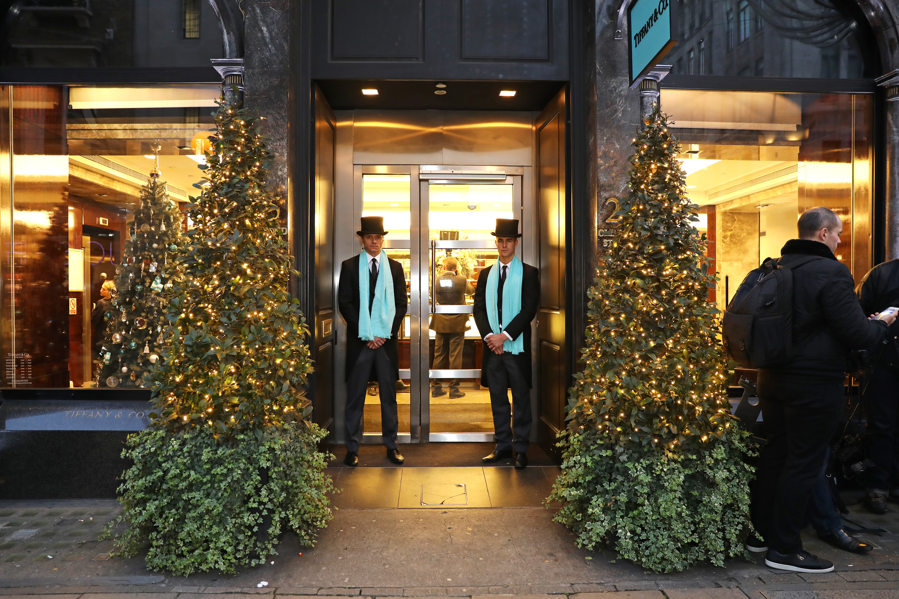 Fear not: Tiffany & Co. is still doing their iconic holiday display even though Secret Service has taken over their block