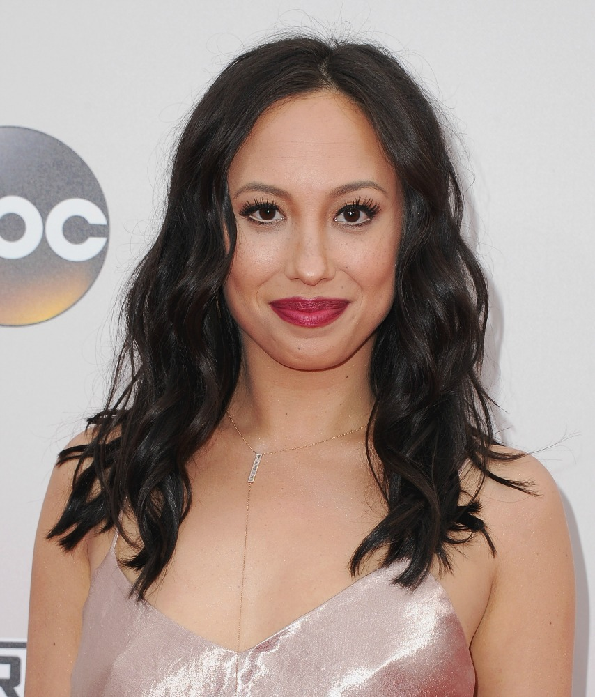 """Dancing with the Stars"" Cheryl Burke wore an affordable Lauren Conrad dress from Kohl's to the AMAs"