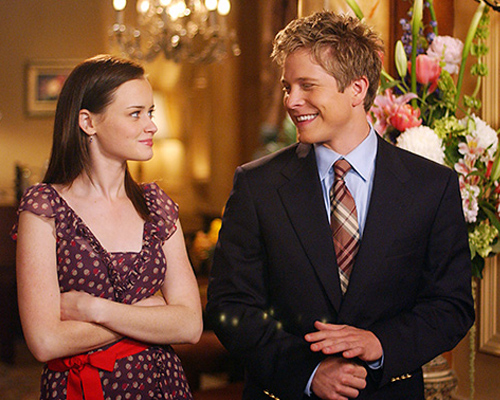 """Gilmore Girls"" creator opens up about the psychology behind WHY Rory dated Logan in college"