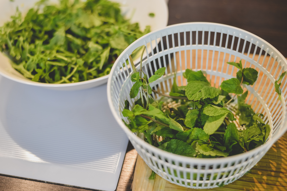 Why you should eat bagged salads as soon as you open them
