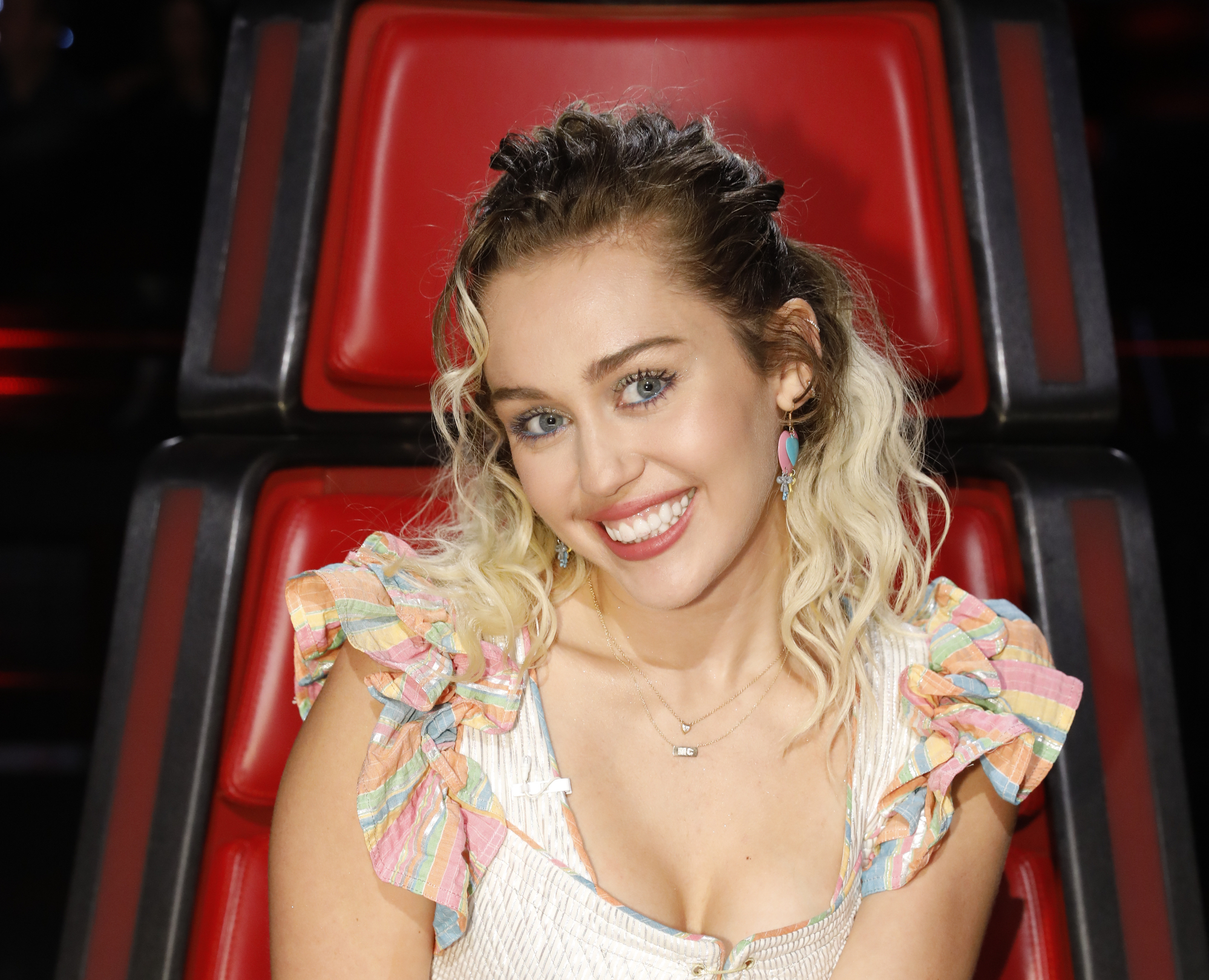 "Miley Cyrus wore a ren-faire inspired dress on ""The Voice,"" and we say ""Huzzah!"""